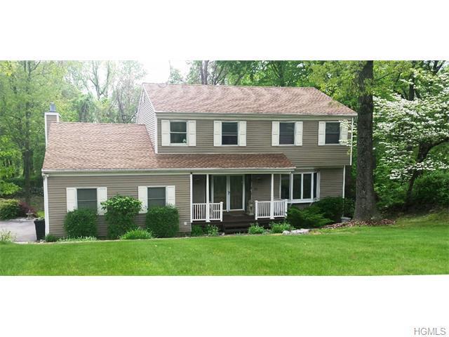 20 Round Tree Ln, Montrose, NY 10548