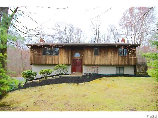 120 Moores Hill Rd, New Windsor, NY 12553