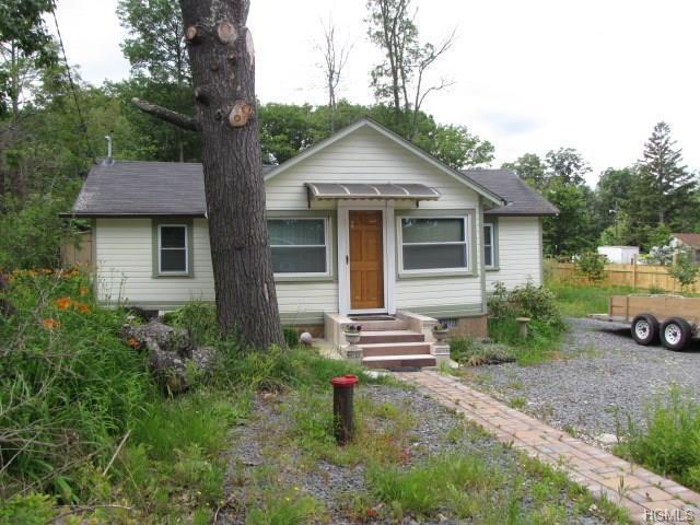 53 Laurel Trl, Wurtsboro, NY 12790