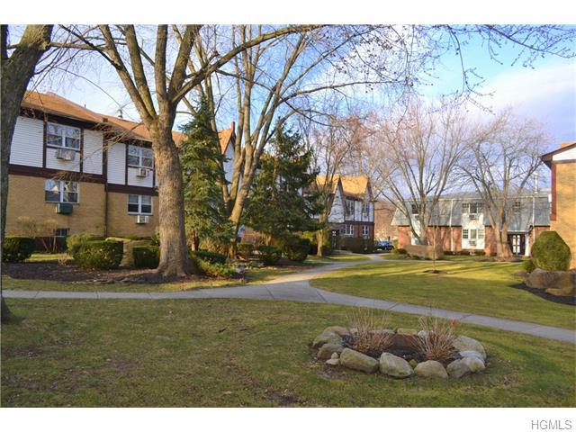 15 Somerset Dr #12B, Suffern, NY 10901