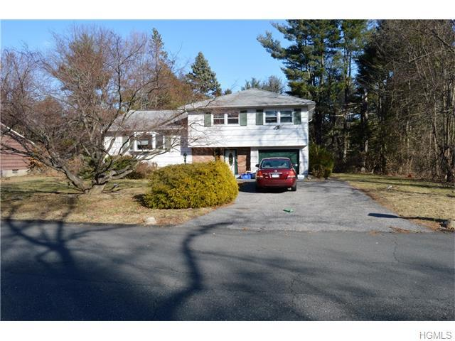 20 Barnacle Dr, Spring Valley, NY 10977