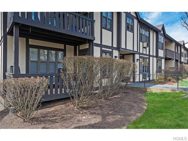 981 Sierra Vista Ln, Valley Cottage, NY 10989