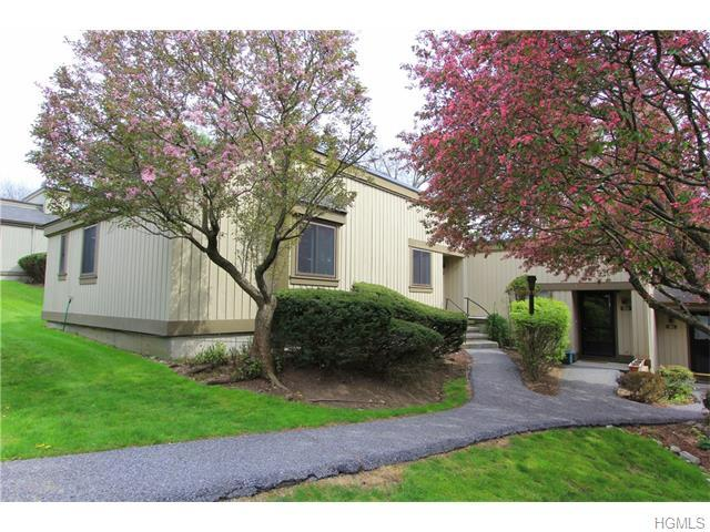 112 Heritage Hills Dr #A, Somers, NY 10589