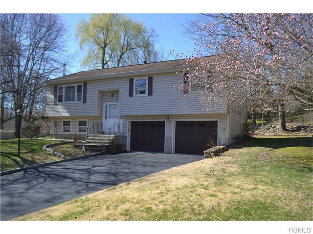 3689 Campbell Ct, Yorktown Heights, NY