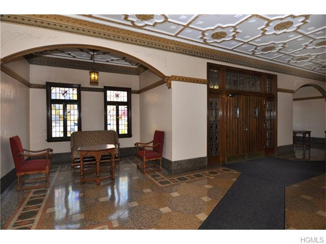 143 Garth Road #6P, Scarsdale, NY 10583
