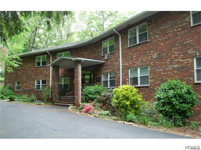 119 W Crooked Hill Rd #102, Pearl River, NY 10965
