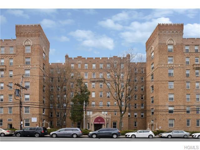 219 Bronx River Rd #3N, Yonkers, NY 10704