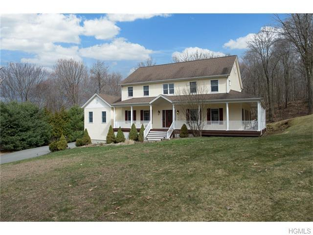 106 Anderson Dr, Pawling, NY 12564