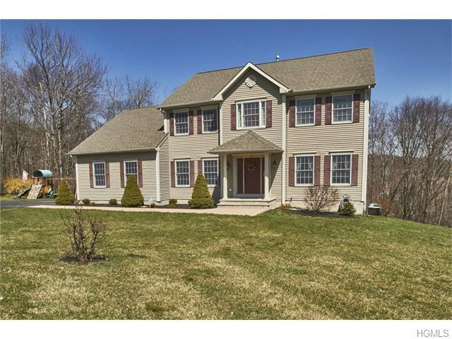 30 Long View Dr, Minisink, NY 10988