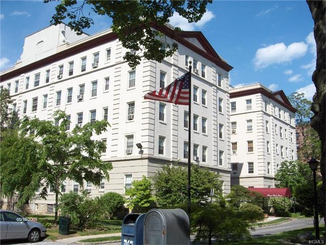 3 Park Ln #2C, Mount Vernon, NY 10552
