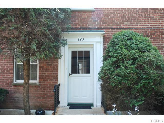 9 Fieldstone Dr #123, Hartsdale, NY 10530
