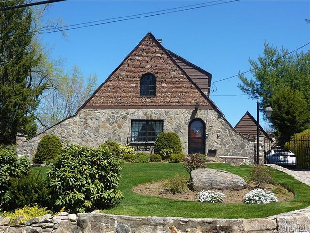 11 Tudor Ln, Scarsdale, NY 10583