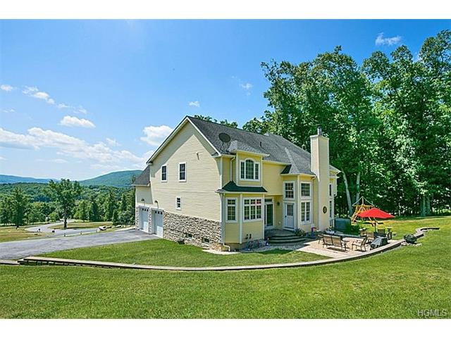1 Cleeves Court, New Windsor, NY 12553
