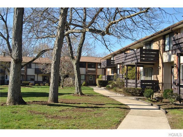 75 Sierra Vista Ln, Valley Cottage, NY 10989