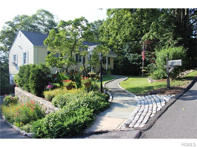 13 Roberta Pl, White Plains, NY 10603