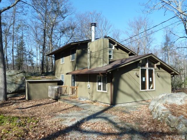 39 Cliff Rd, Greenwood Lake, NY 10925