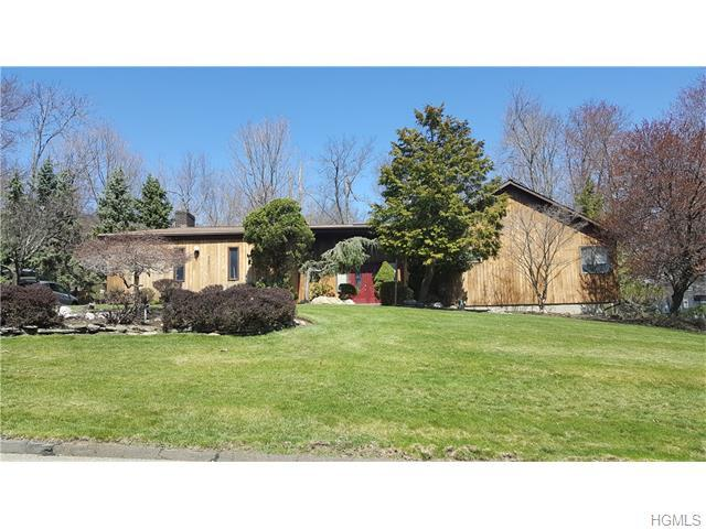 15 Trappers Way, Pomona, NY 10970