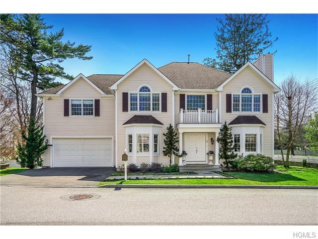 2 Stonegate Ct, White Plains, NY 10605