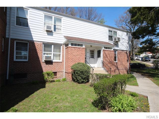 221 Rumsey Rd #1B, Yonkers, NY 10705