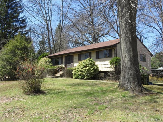 7 Phillips Dr, Suffern, NY 10901