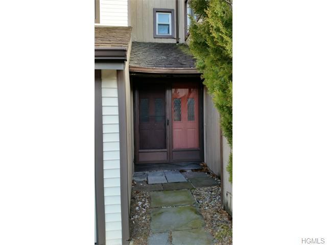 238 Country Club Dr, Florida, NY 10921