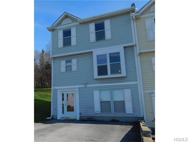 34 Helen Ct, Beacon, NY 12508