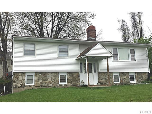 22 Panorama Dr, New Windsor, NY 12553