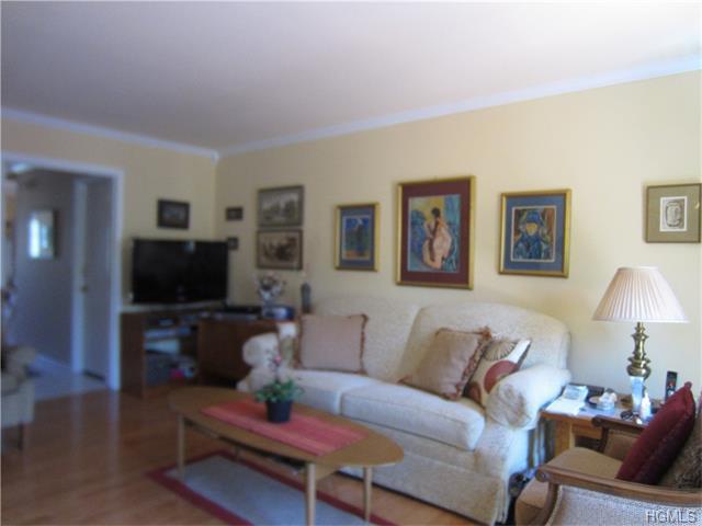 68 Fitzgerald Ct, Monroe NY 10950