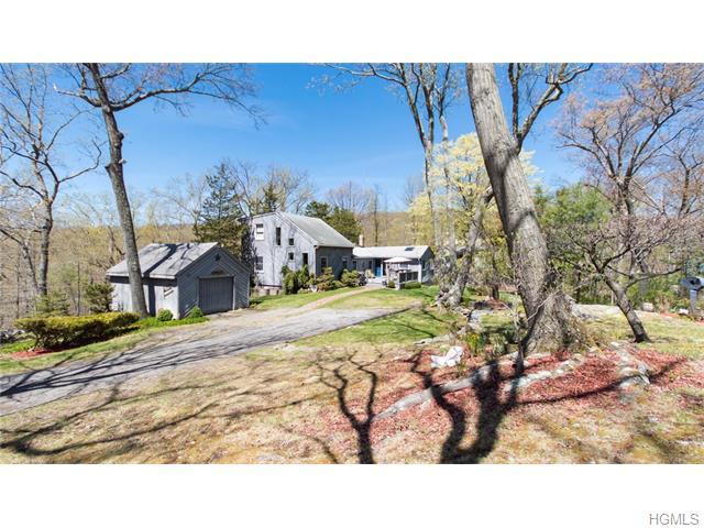 40 Maple Road, Lake Peekskill, NY 10537