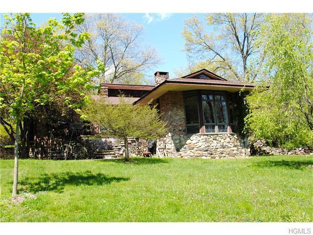 32 Woodybrook Ln, Croton On Hudson, NY 10520