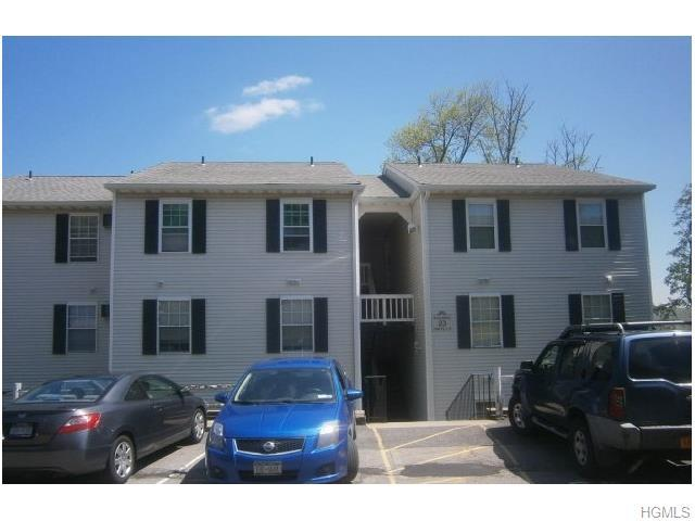 23 Lexington Hl #APT 4, Harriman NY 10926