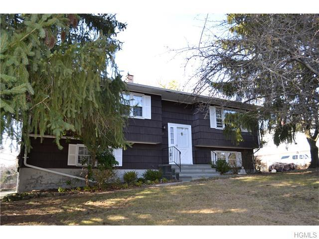 3 Amy Todt Dr, Monroe NY 10950