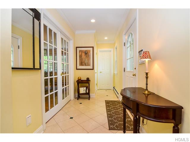 26 Seely Place, Scarsdale, NY 10583