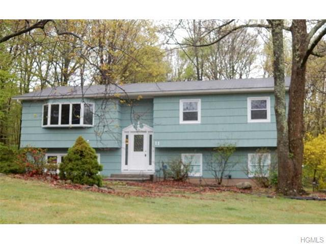 11 Madison Hill Rd, Airmont, NY 10901