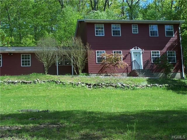 6 Oak Tree Dr, Cornwall, NY 12518