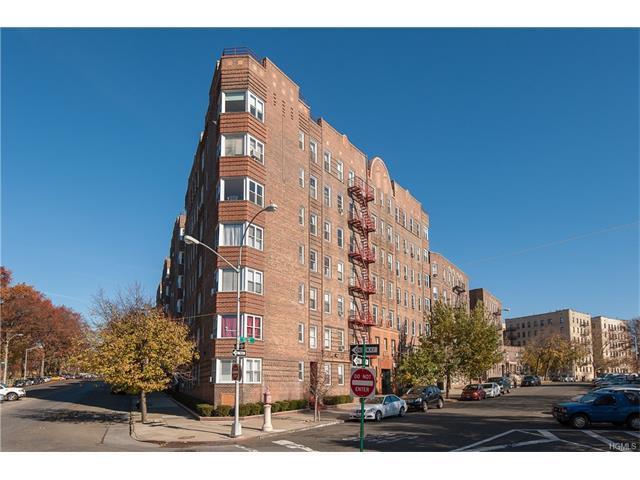 601 N Pelham Pkwy #106, Bronx, NY 10467