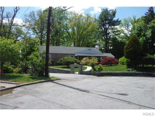 30 Truesdale Pl, Yonkers, NY 10705
