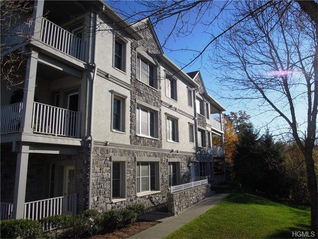 22 N De Baun Ave #305, Suffern, NY 10901