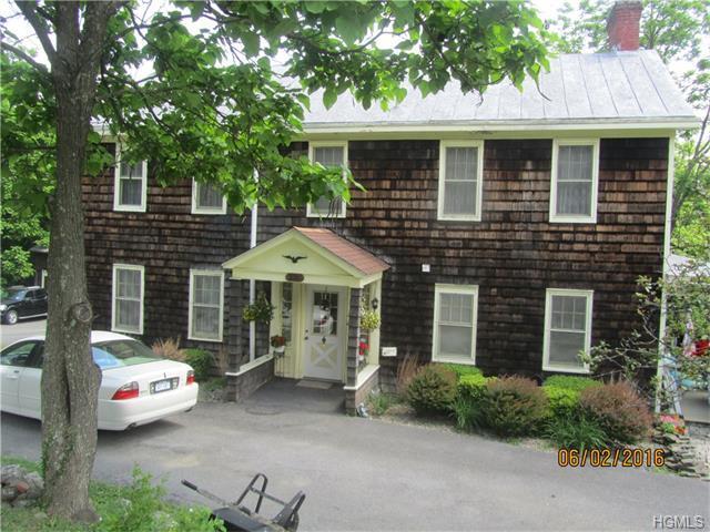331 Echo Lake Rd, New Hampton, NY 10958