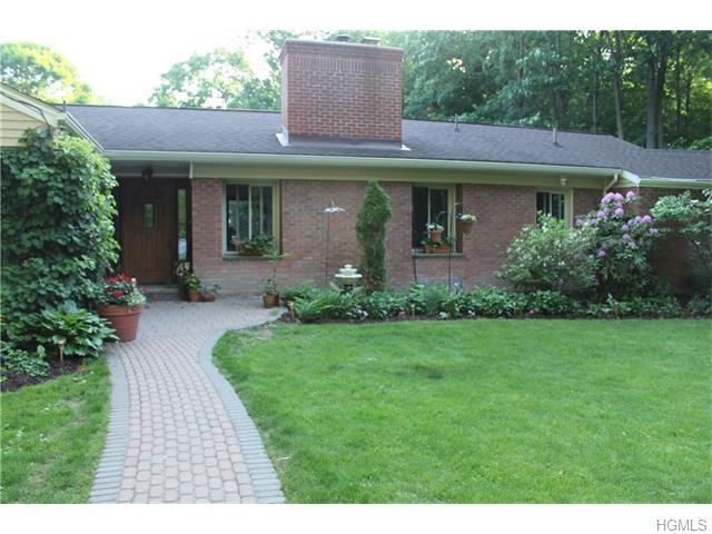 18 Natures Trl, Chester, NY 10918