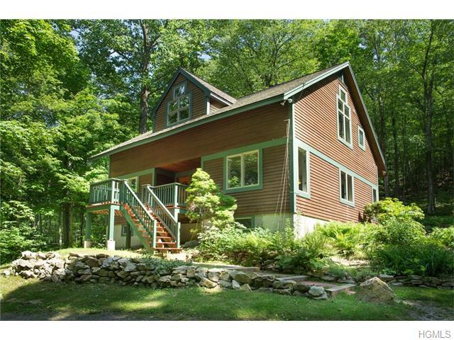 149 Couch Rd, Patterson, NY 12563