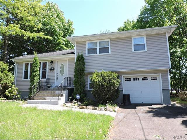 11 Maplewood Blvd, Suffern, NY 10901