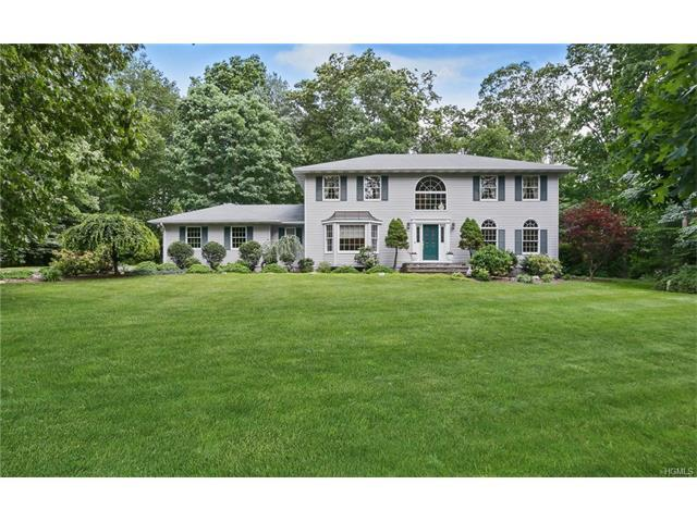 60 Table Rock Rd, Tuxedo Park, NY 10987