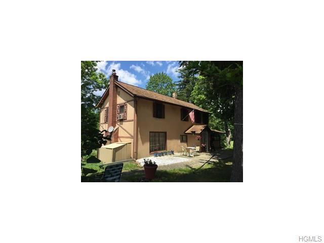 15 Mcdonnells, East Fishkill, NY 12533
