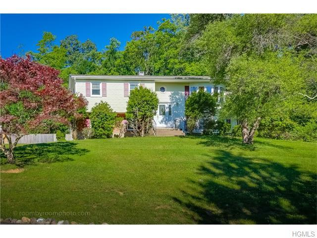 1 White Rd, Airmont, NY 10901