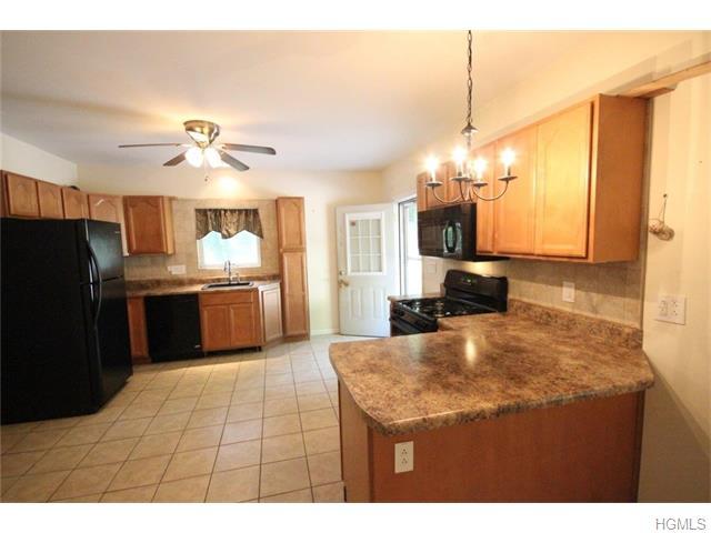 632 Winterton Road, Bloomingburg, NY 12721