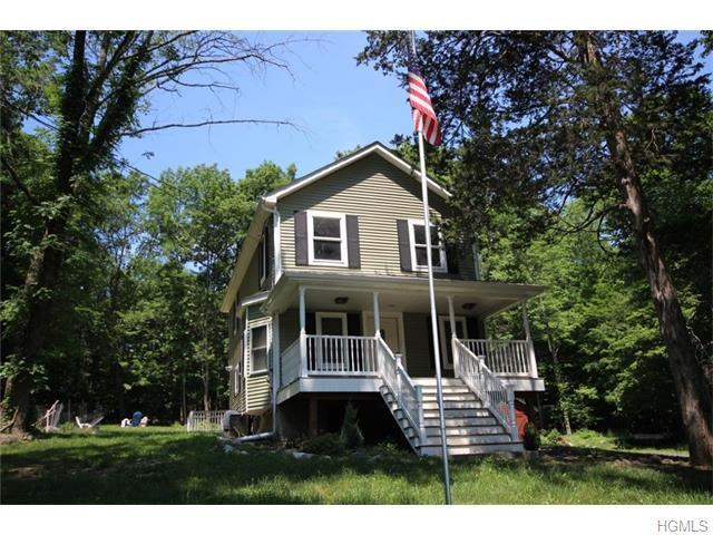 632 Winterton Rd, Bloomingburg, NY 12721