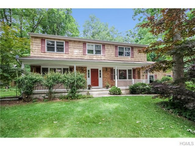10 Bell Ct, Airmont, NY 10901
