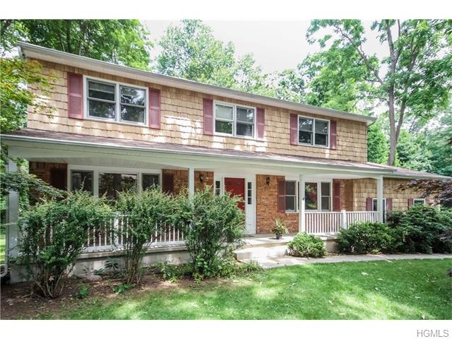 10 Bell Court, Airmont, NY 10901