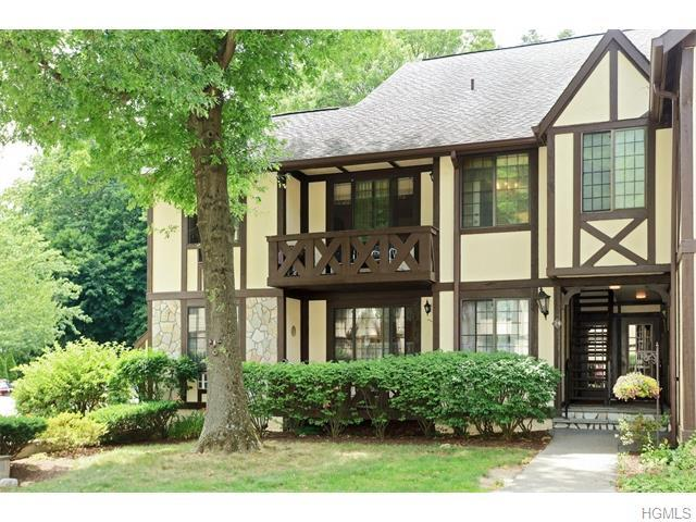 24 Foxwood Dr #5, Pleasantville, NY 10570